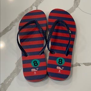 Never Worn Vineyard Vines size 8 Flip Flops
